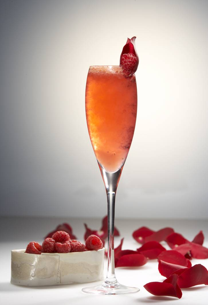 Cool cocktail recipes for your hot valentine 39 s date night for Cocktail rose